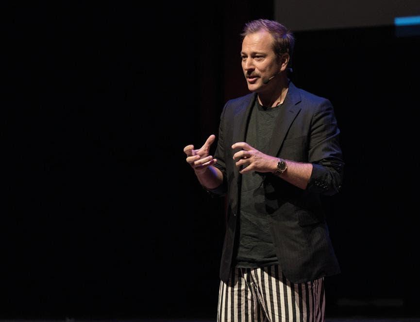 Yannick Aellen fördert weiterhin Schweizer Mode!